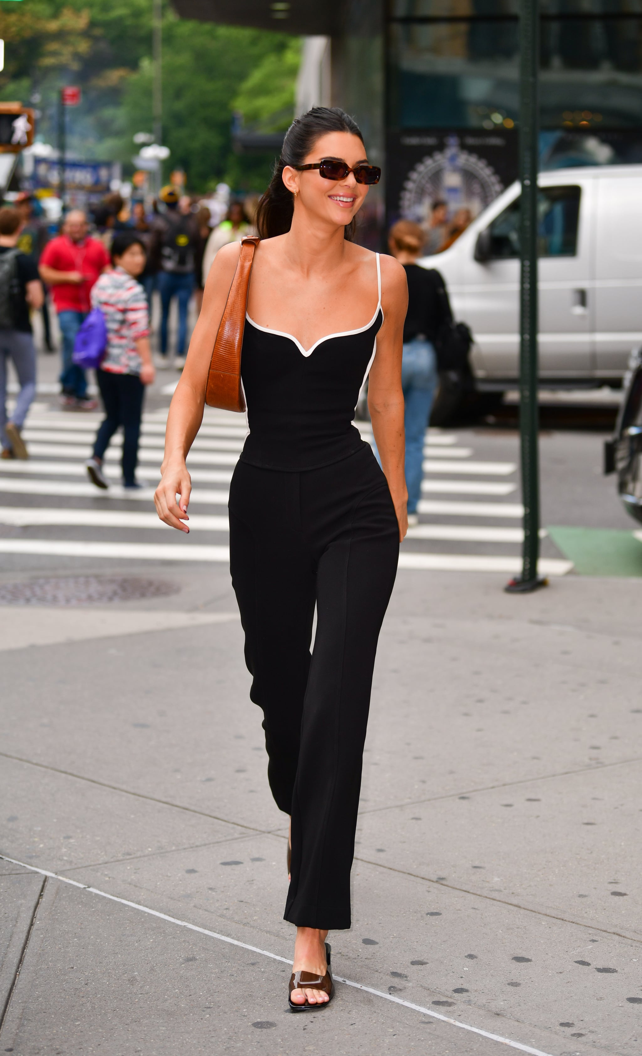 Kendall Jenner Walking Around NYC in September 2019 | Kendall ...