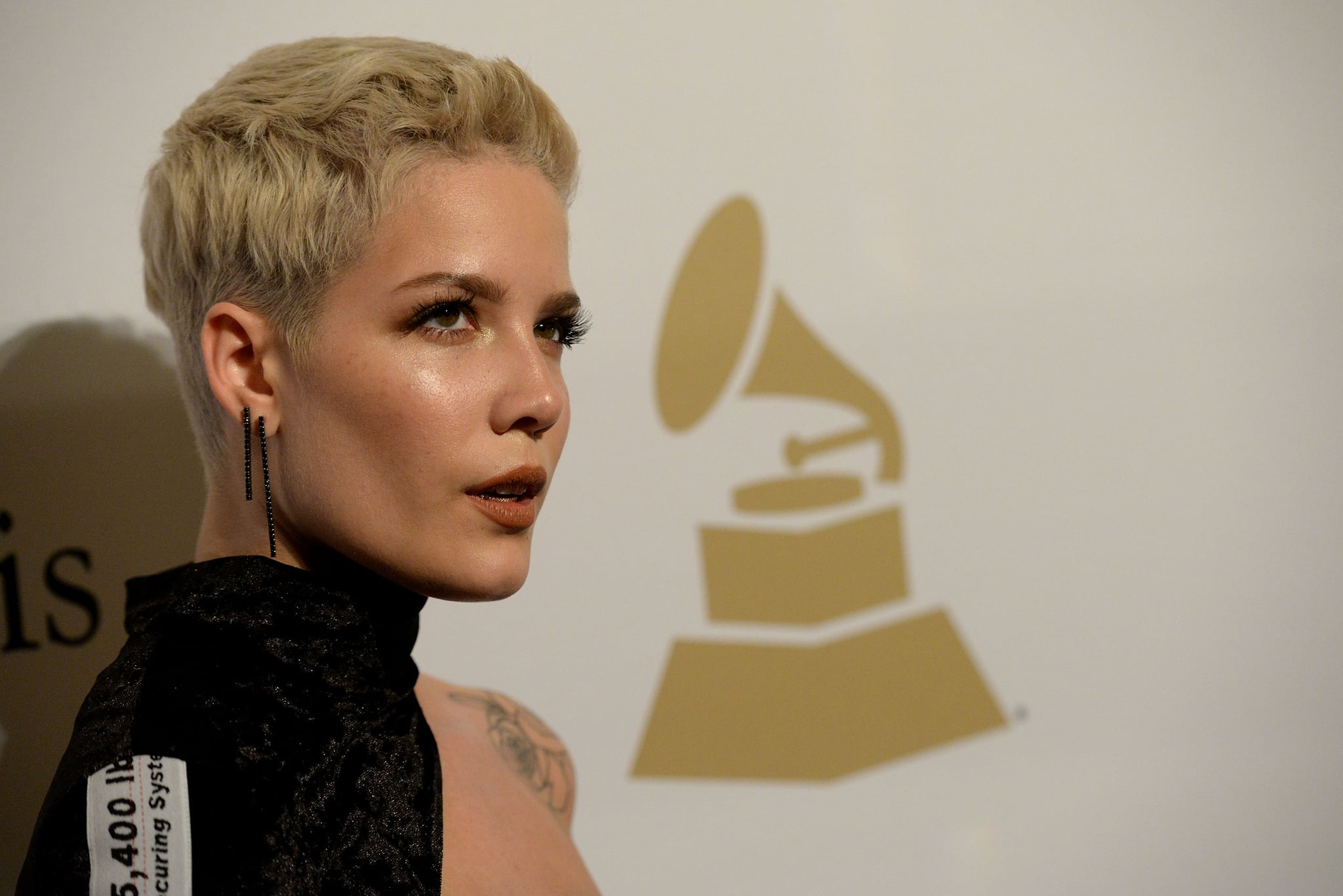 BEVERLY HILLS, CA - FEBRUARY 11:  Singer Halsey walks the red carpet at the 2017 Pre-GRAMMY Gala And Salute to Industry Icons Honoring Debra Lee at The Beverly Hilton Hotel on February 11, 2017 in Beverly Hills, California.  (Photo by Scott Dudelson/Getty Images)