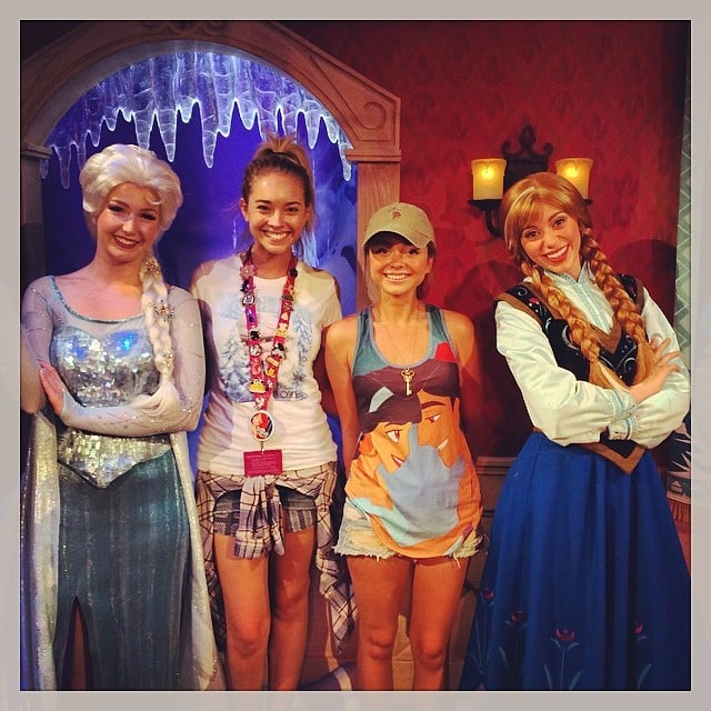 Sarah Hyland hung out with Frozen princesses at Disneyland. Source: Instagram user therealsarahhyland