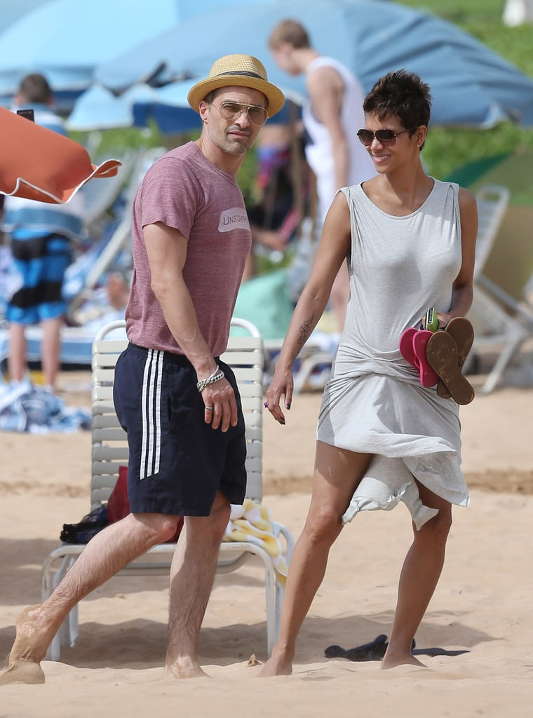 Halle Berry and Olivier Martinez hit the beach in Hawaii together in March 2013.