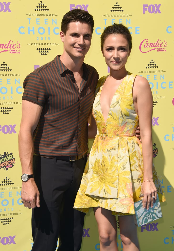 Robbie Amell And Italia Ricci Celebrities On The Red