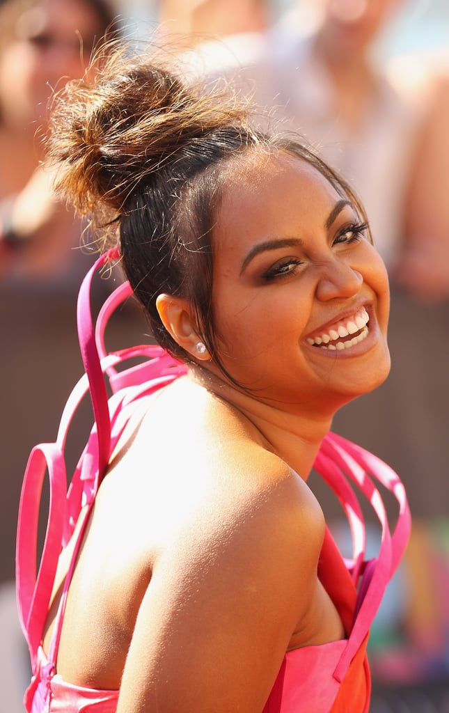 Jessica Mauboy lights up the red carpet with that phenom' one shouldered number.