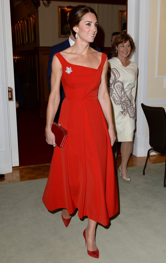 For a reception at the Government House, Kate chose a sophisticated Preen midi that gave us flashbacks to Princess Diana. She finished her outfit with Gianvito Rossi pumps, a box clutch, and Soru Baroque pearl drop earrings.