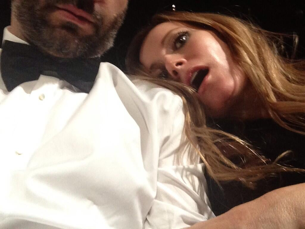 Leslie Mann got silly during the show. Source: Twitter user juddapatow
