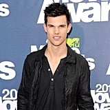 Taylor Lautner Flashes His Smile on the Way Into the MTV Movie Awards