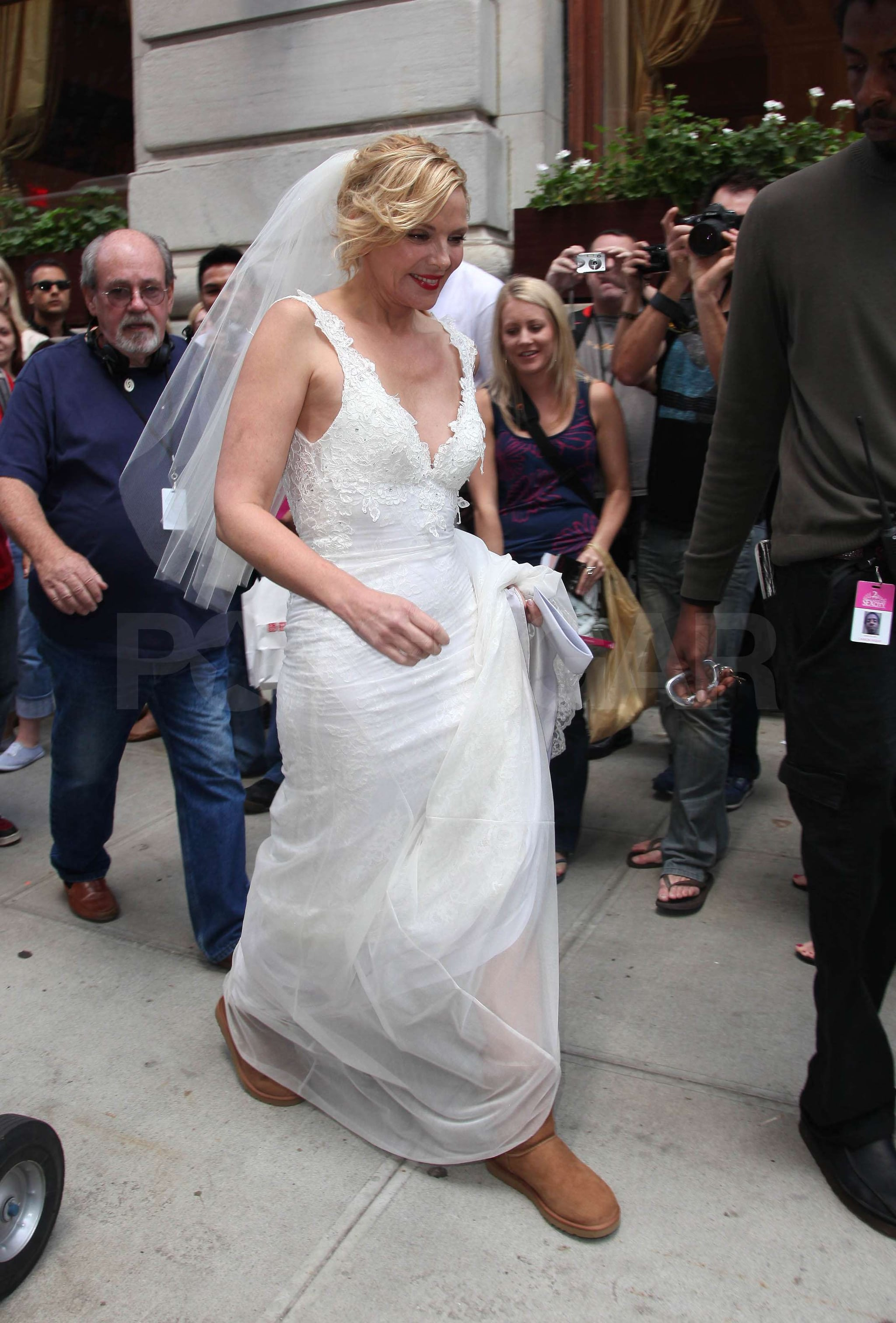 Photos Of Sarah Jessica Parker And Kim Cattrall In A Wedding Dress