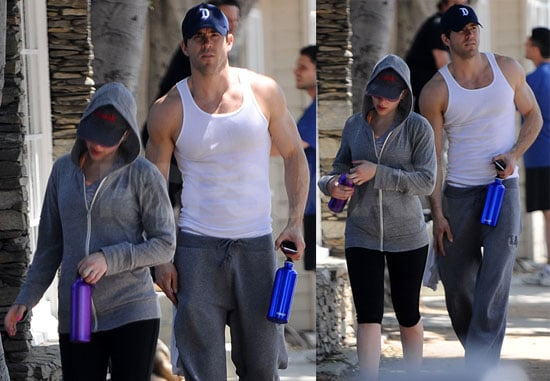 Pictures of Scarlett Johansson and Ryan Reynolds Leaving an LA Gym Together