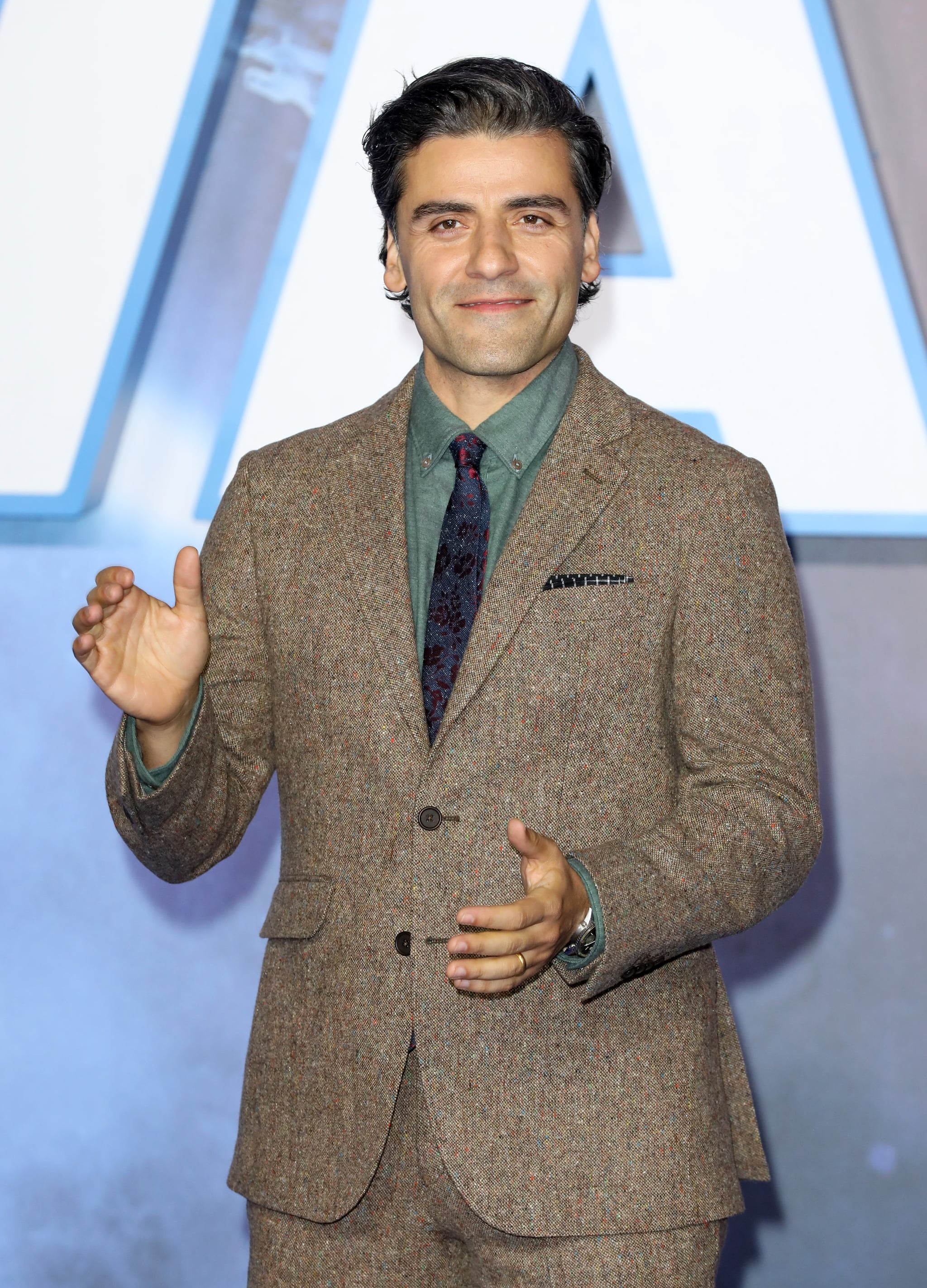 LONDON, ENGLAND - DECEMBER 18: Oscar Isaac attends the