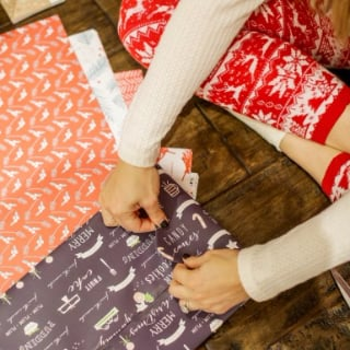 How to Throw a Gift-Wrapping Party