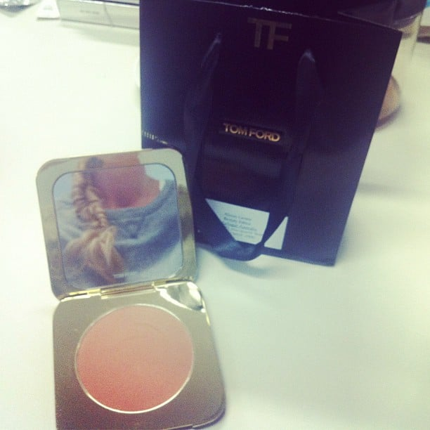 Oh, Tom Ford. Bronzer never looked so good! Ps: Can you spot BellaSugar editor Alison's normally shoulder-length hair in the mirror? Hello Hair Secrets extensions!