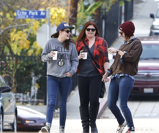Kristen-Stewart-walked-around-LA-neighborhood-Silver-Lake