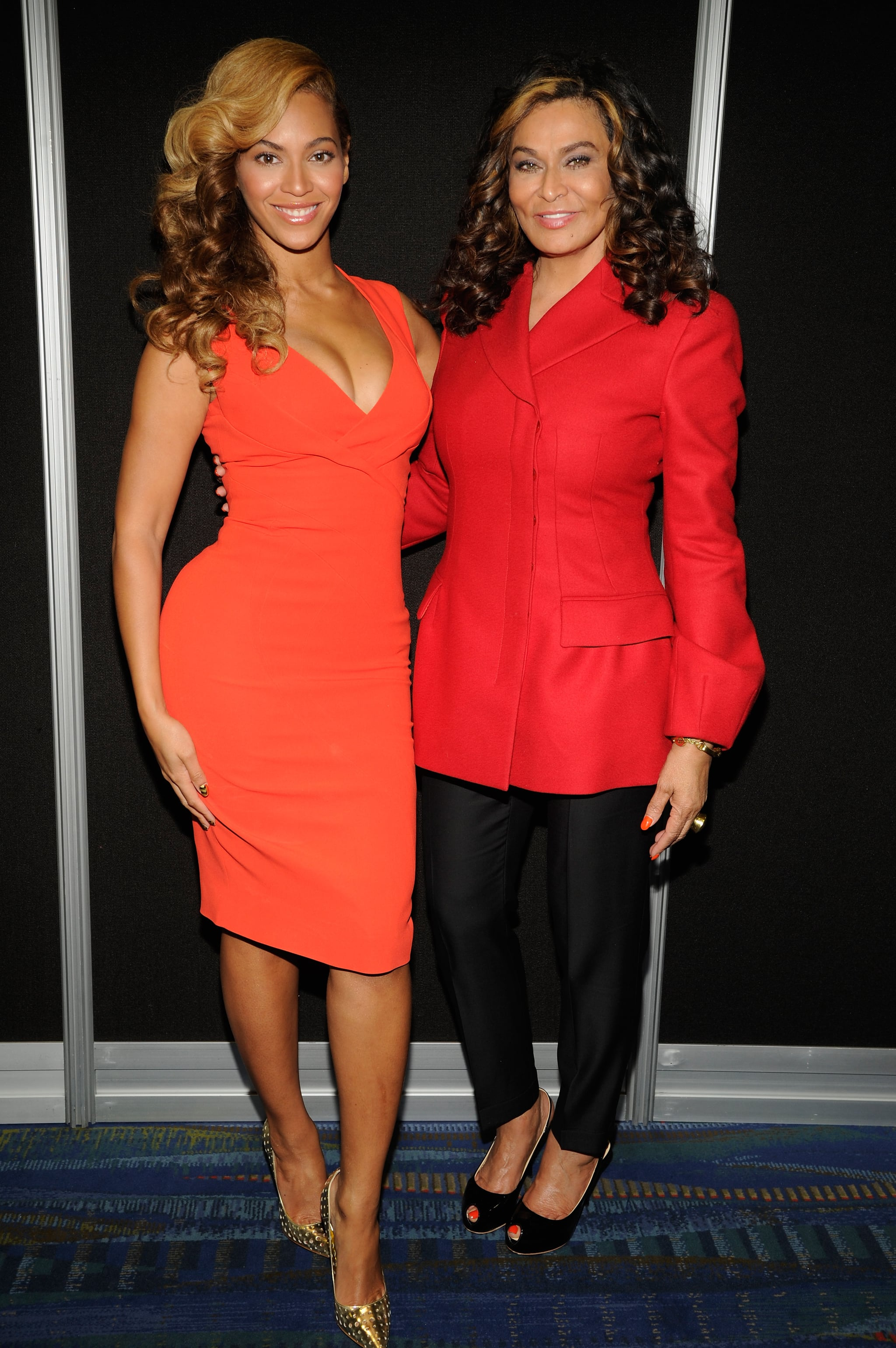 NEW ORLEANS, LA - JANUARY 31:  Beyonce and Tina Knowles pose backstage at the Pepsi Super Bowl XLVII Halftime Show Press Conference at the Ernest N. Morial Convention Centre on January 31, 2013 in New Orleans, Louisiana.  (Photo by Kevin Mazur/WireImage)