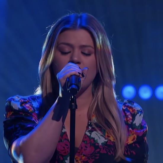 "Watch Kelly Clarkson Cover Selena's ""Dreaming of You"""
