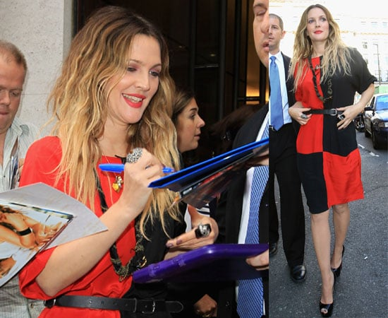 PIctures of Drew Barrymore and Justin Long at the Apple Store in London