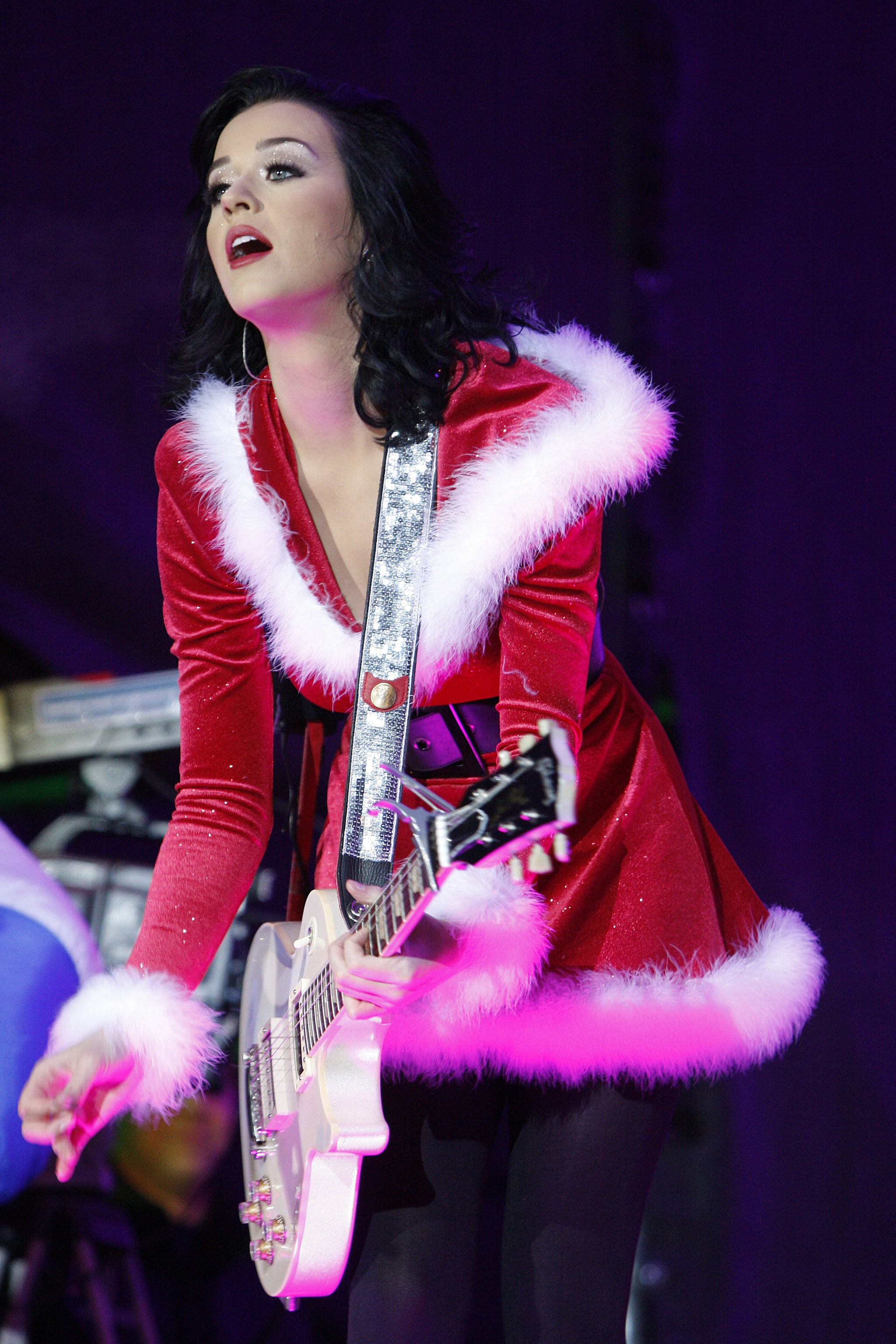 Photos of Katy Perry in Christmas Costume Performing in Austria ...
