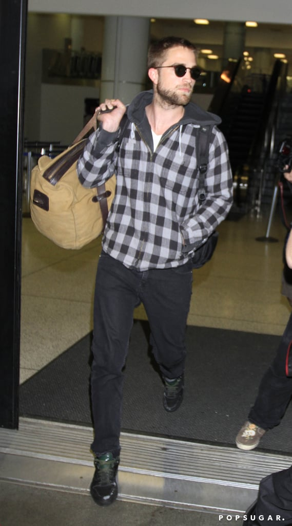 Robert Pattinson landed in LAX.