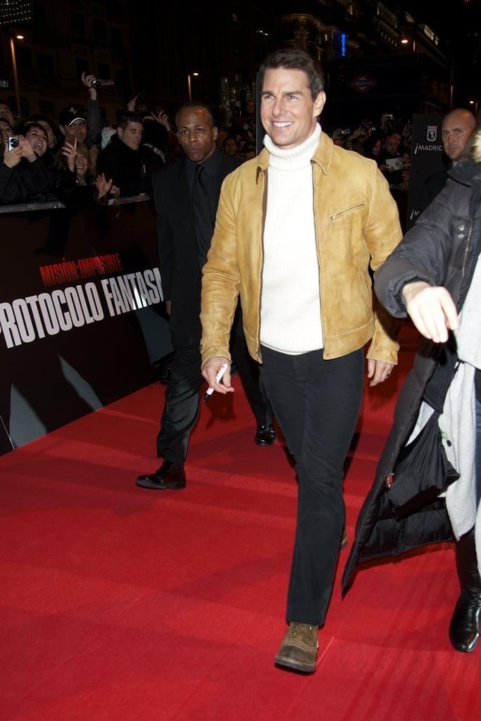 Tom cruise walked the red carpet solo.