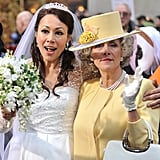 Ann Curry as Kate Middleton with Meredith Vieira as Queen Elizabeth.