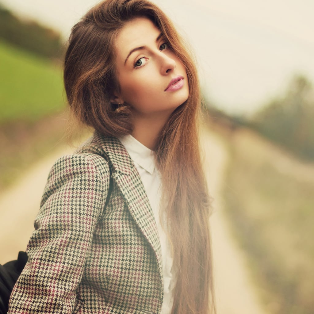 Easy Hair Tips to De-Frizz and Smooth Your Strands:
