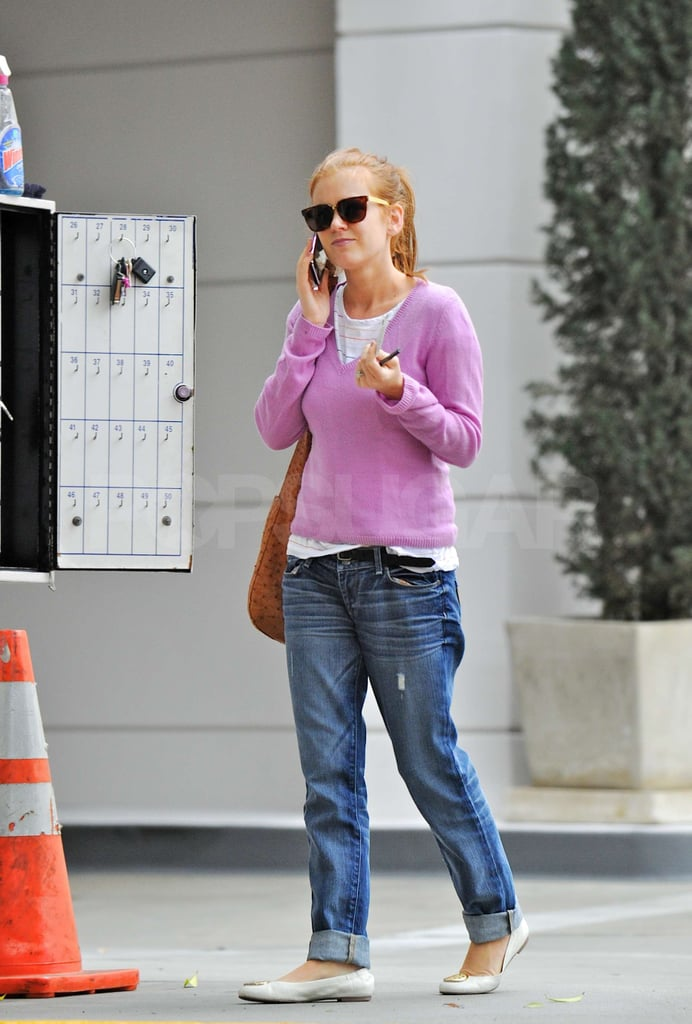 Pictures of Isla Fisher Picking Up Her Car From a Valet in Beverly Hills