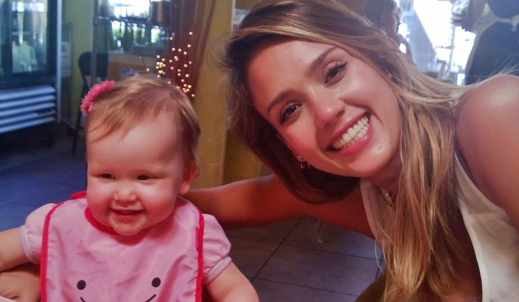 Jessica Alba enjoyed lunch with her girls this week. Source: Twitter user jessicaalba