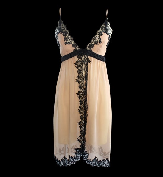 This Jenny Packham Nude Chemise ($645) is equal parts feminine and sexy, thanks to the dramatic ivory-and-black color contrast and gorgeous embroidery.
