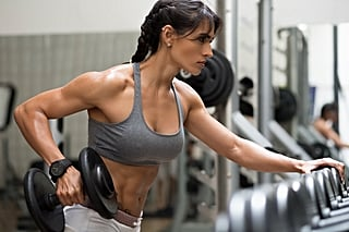 Chisel Your Triceps With 2 Dumbbells and This 30-Minute Beginners' Upper-Body Workout