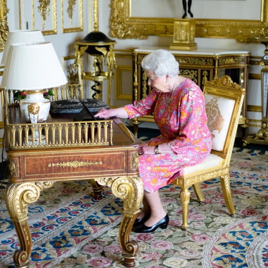 Queen Elizabeth II Tweeting Photo