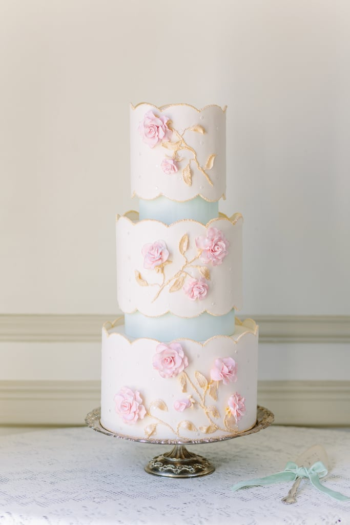 When people compare your cake to porcelain china, you know that it's all kinds of pretty.
