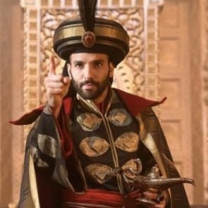 Funny Reactions to Hot Jafar in Disney's Live-Action Aladdin