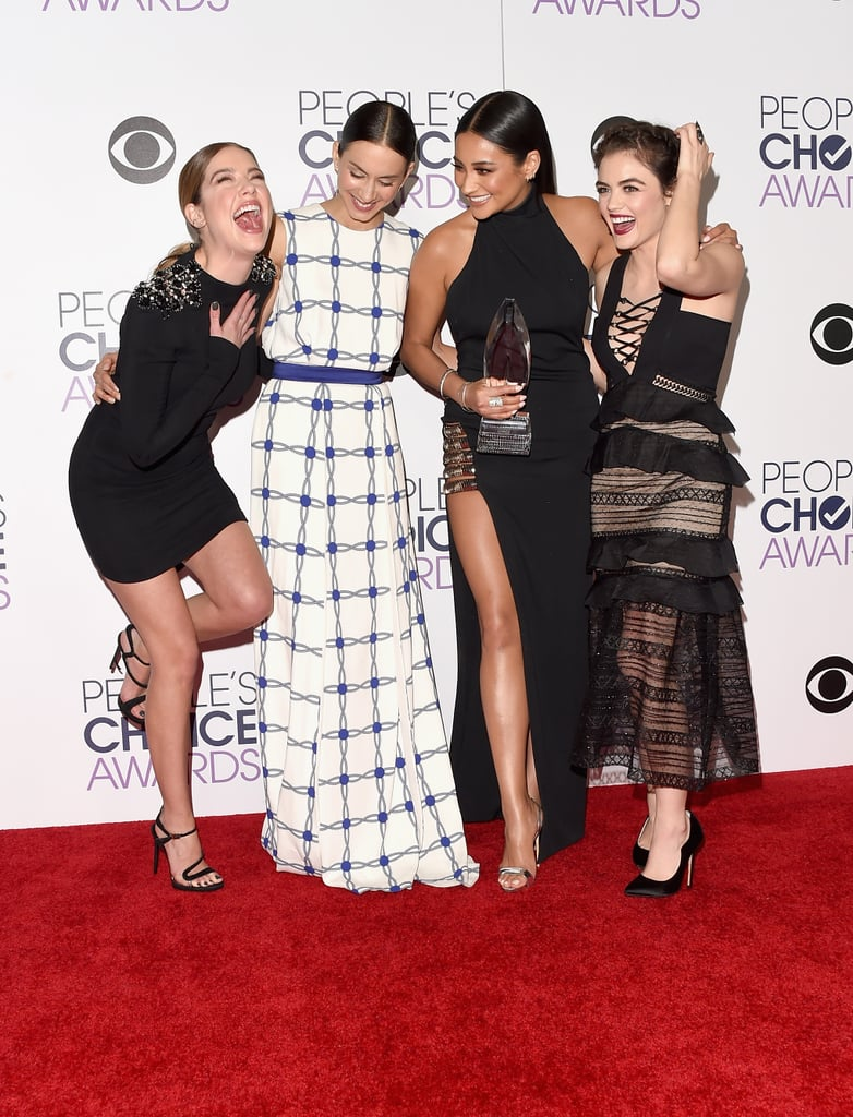 The Pretty Little Liars cast shared a laugh on the carpet in 2016.