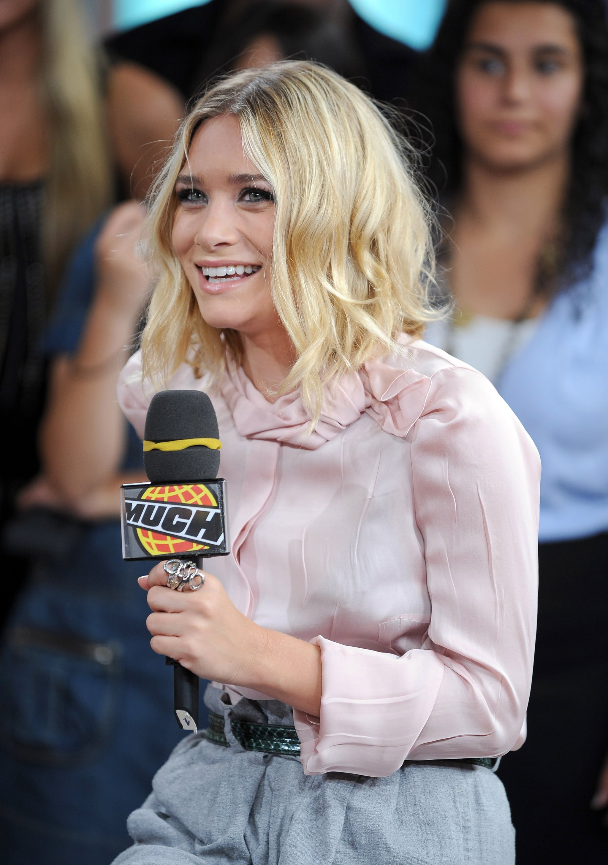Photos Of Mary Kate Olsen And Ashley Olsen Promoting