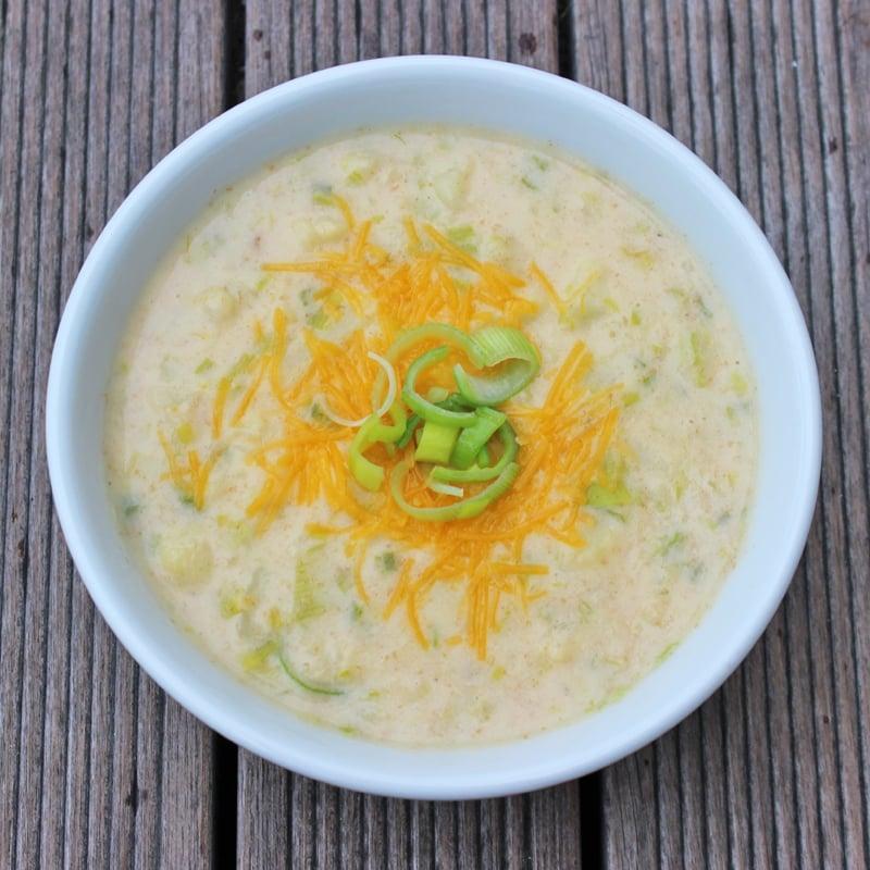 Low calorie cheddar cauliflower soup 10 versatile for 10 calorie soup gourmet cuisine