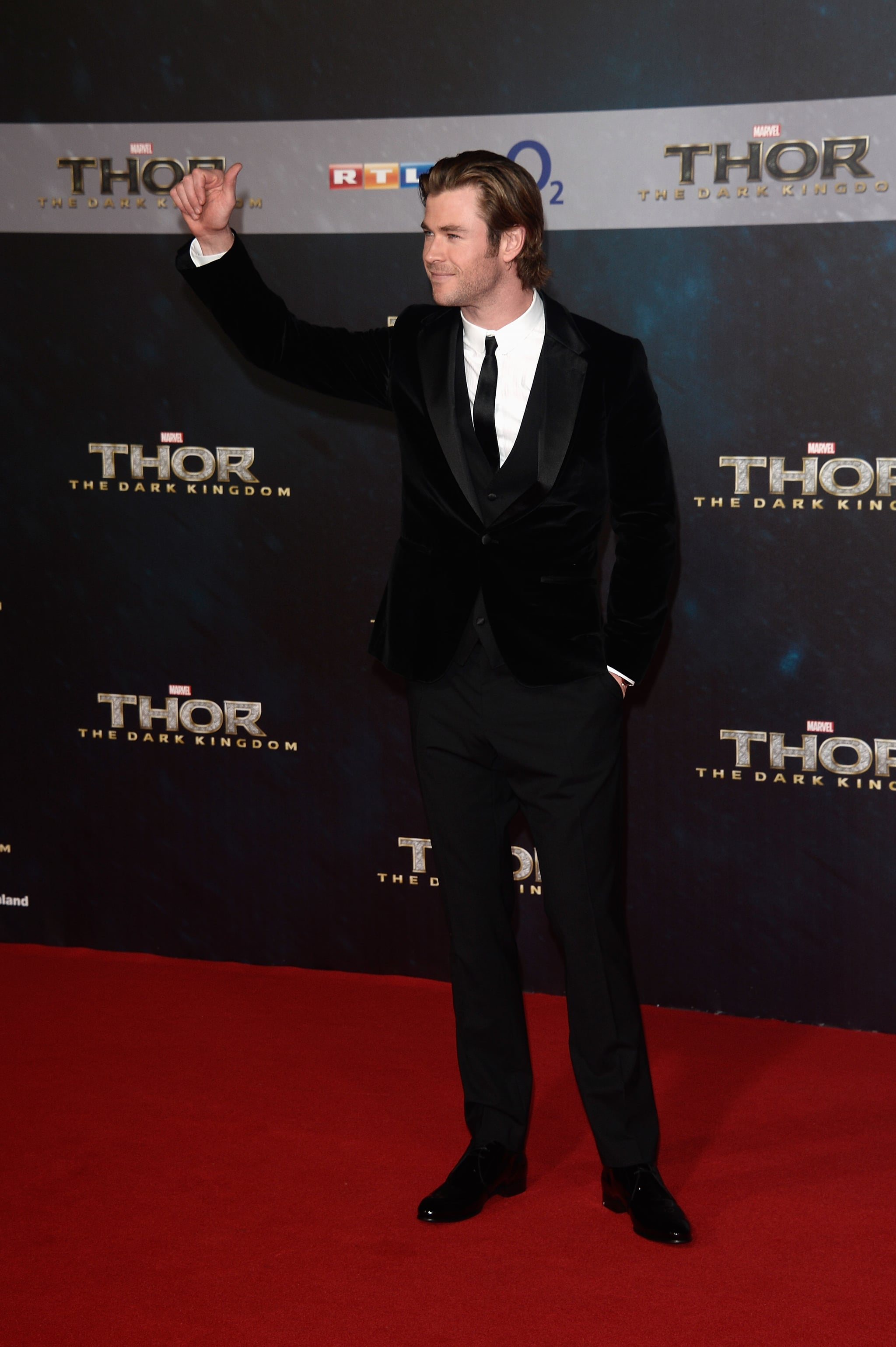 Chris Hemsworth gave a wave at the premiere in Germany.
