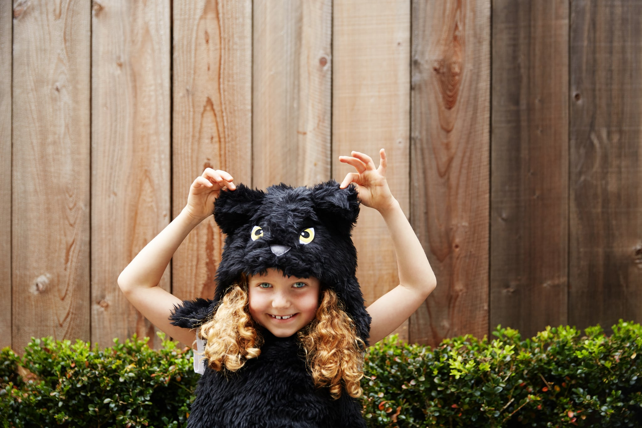 The Ultimate Nostalgic Halloween Bucket List to Complete With Your Kids