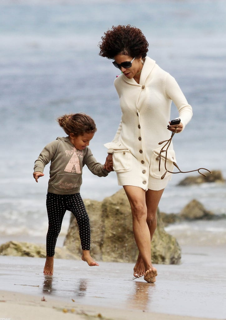 Halle Berry and Nahla Aubry played in Malibu during a sunny day.