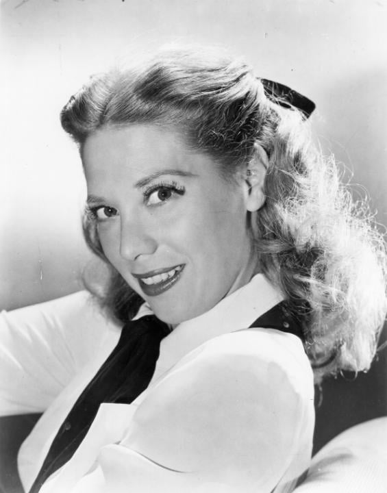 Dinah Shore's Beribboned Tie Back