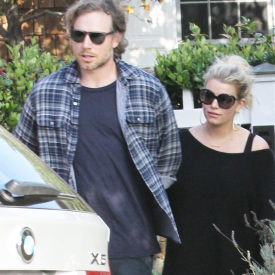 Pregnant Jessica Simpson Shops For a New Home
