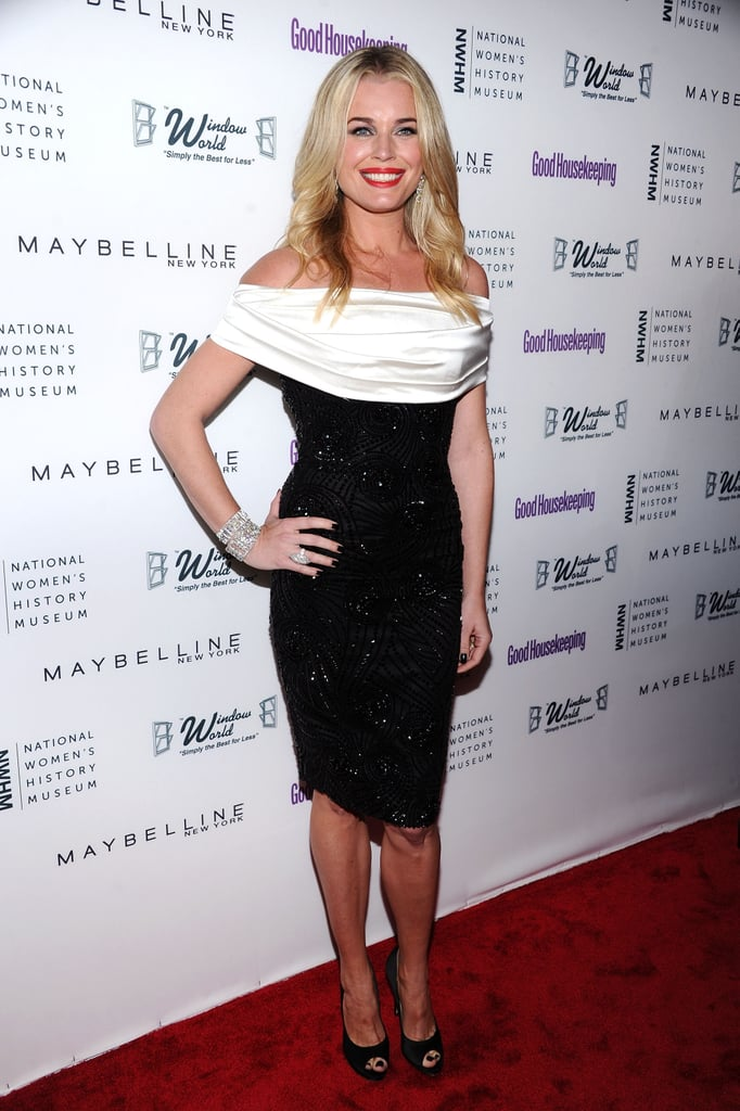Gywneth Paltrow Attends the Good Housekeeping Awards in NYC 2011-04-13 06:48:00