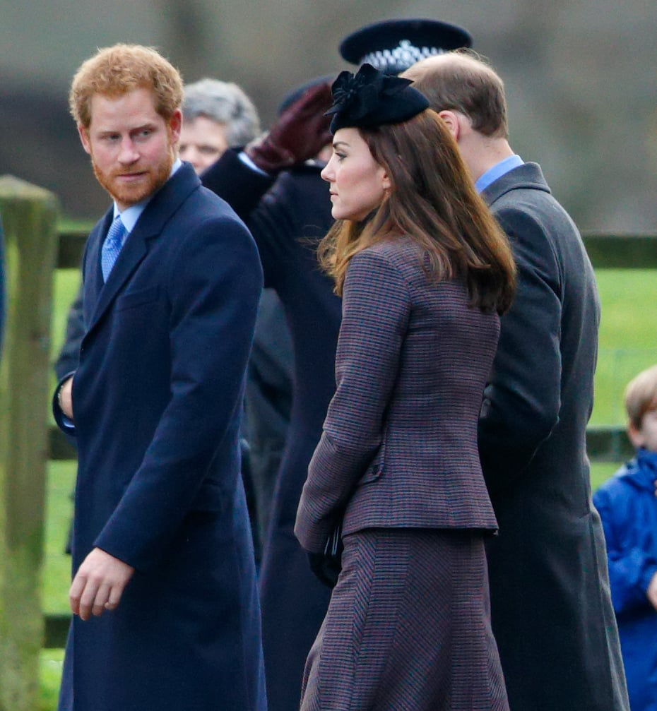 Kate wore a black turtleneck under her purple Michael Kors Collection skirt and blazer, complementing her gloves and simple clutch.