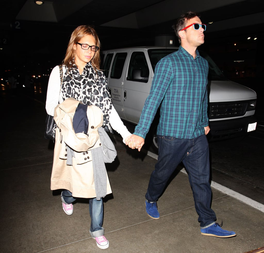 Robbie Williams Arrives Back In LA With Ayda Field