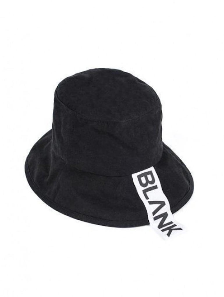 Kaia Gerber Wearing Bucket Hat  d404c94a86e
