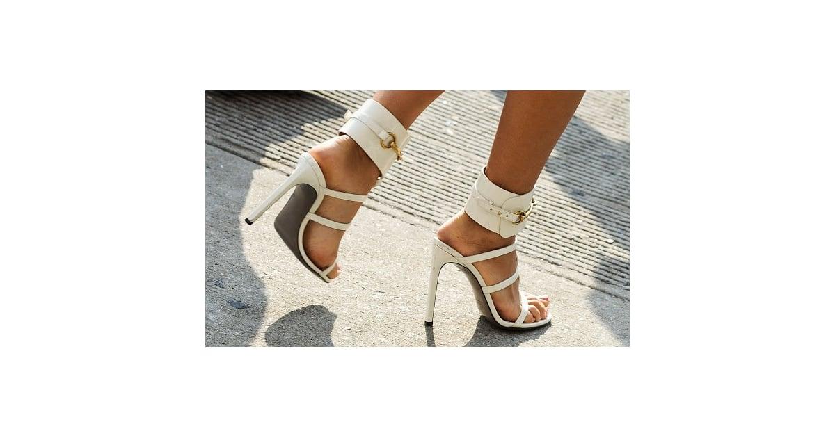 high heels essay High heel speech essaythe idea that high heels high heels can contribute to and development a variety of conditions such as arthritis, chronic knee pain.
