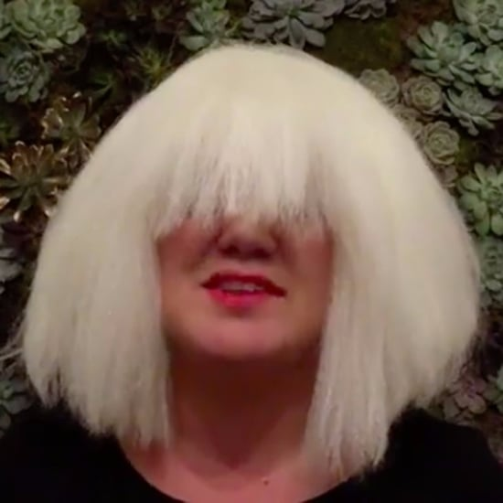 "Kelly Clarkson Covers Sia's ""Chandelier"" For Halloween 2016"