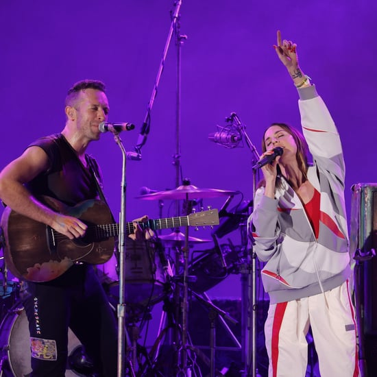 """Chris Martin and Mel C Perform Spice Girls Hit """"2 Become 1"""""""