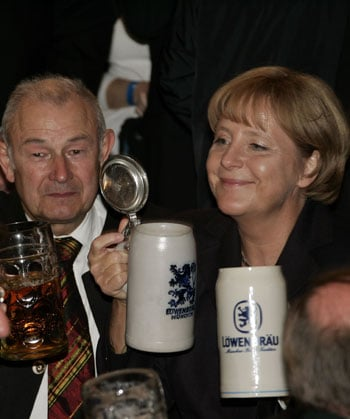 Germans Raise Steins to Oktoberfest, and Drunk Driving?