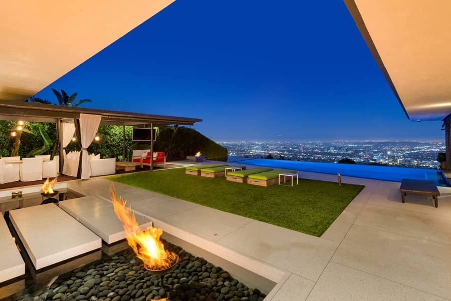 Matthew Perry Selling Home in Los Angeles | POPSUGAR Home Photo 1