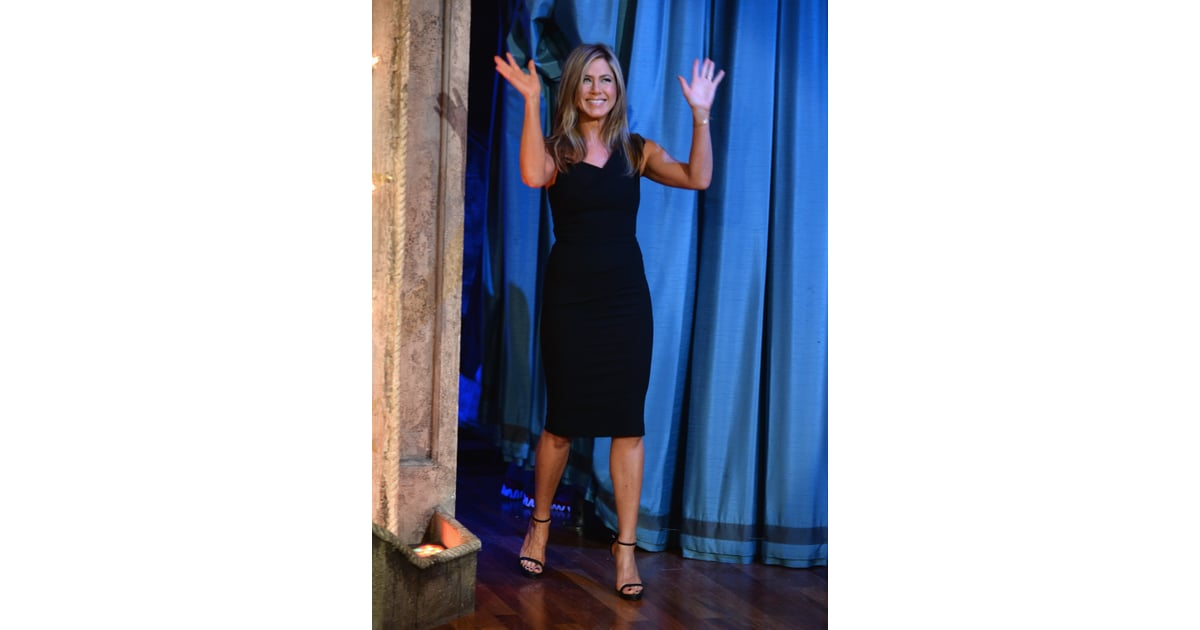 Jennifer aniston comes bearing gifts for jimmy fallon s new baby