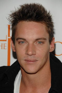 Sugar Bits - Jonathan Rhys Meyers Enters Rehab