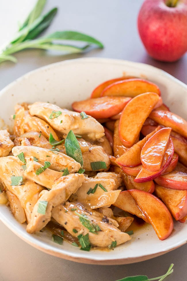 Apple Cider Chicken With Caramelized Apples